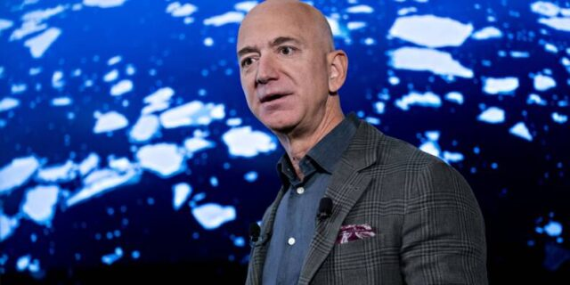 Jeff Bezos, Elon Musk … Several American billionaires have evaded taxes for years Logo